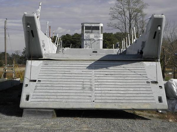 Aluminum LCM8 Landing Craft /Needs repowering