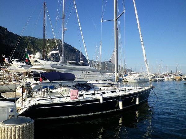 Beneteau Oceanis 440 AYC Yachtbrokers - Oceanis 440