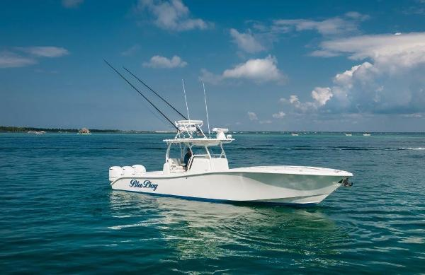 Yellowfin 36 Offshore Starboard Profile
