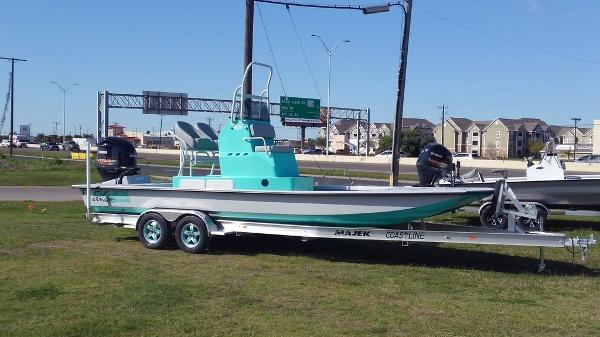 Majek Boats 25 Illusion
