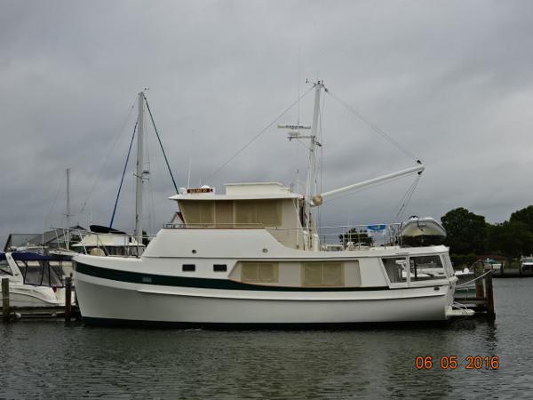 Kadey Krogen Whaleback 48' Kadey Krogen port profile