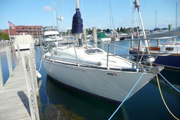 C&C Fiberglass 36 Starboard bow