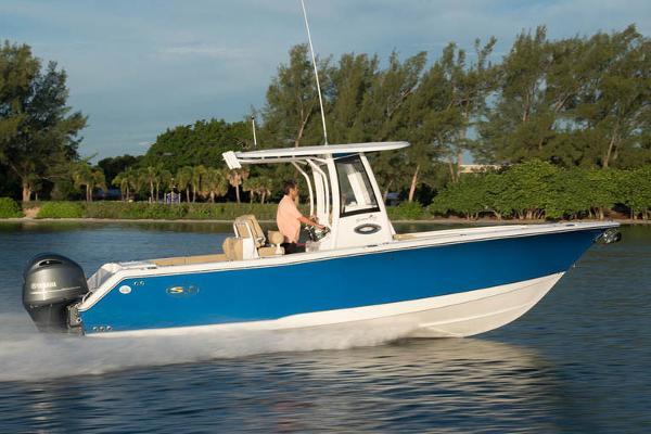 Sea Hunt Gamefish 27 with Coffin Box