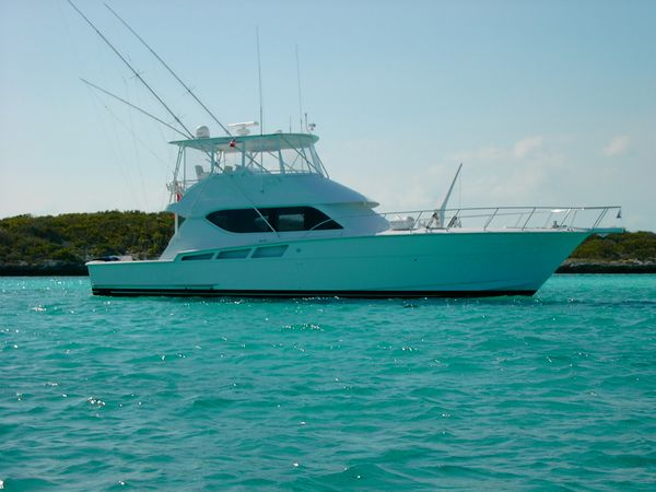 Hatteras 55 Convertible Photo 1