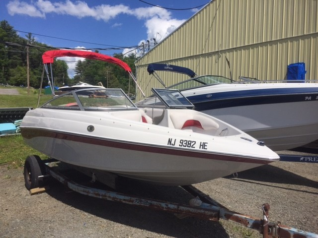 Crownline BOWRIDER 18 SS