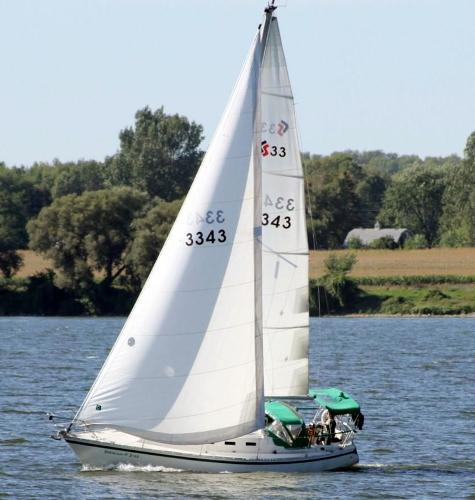 CS 33 Sloop Under Sail