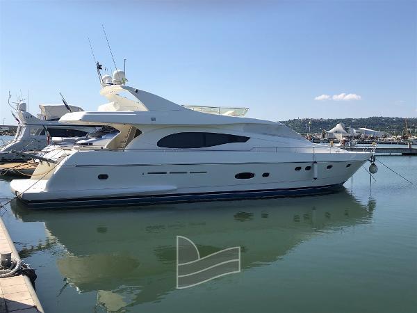 Ferretti Yachts 730 IMG_0032