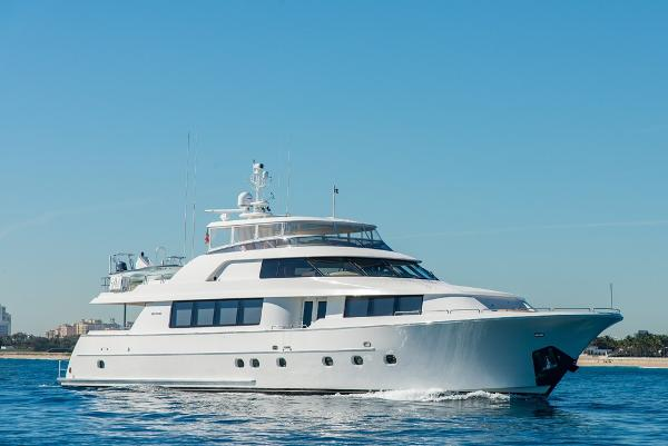 Westport Raised Pilothouse Motoryacht Profile