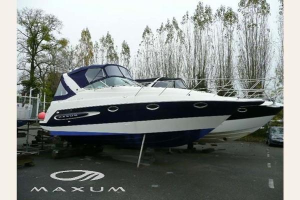 Maxum 2800 SCR