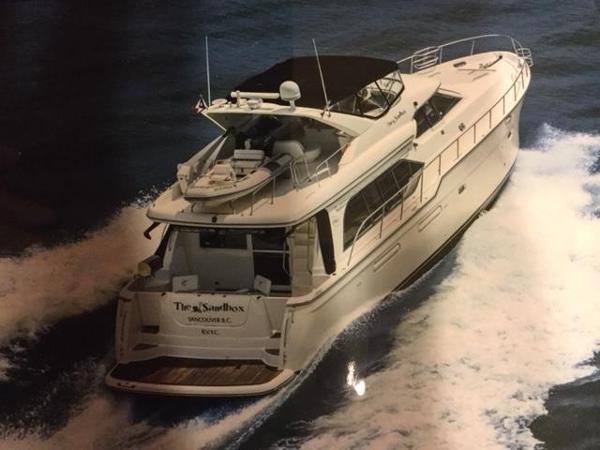 Bayliner 5788 Pilot House Motoryacht Underway