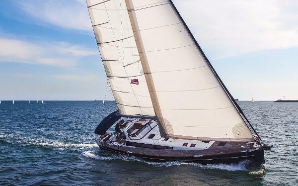 Beneteau Sense 50 Sailing