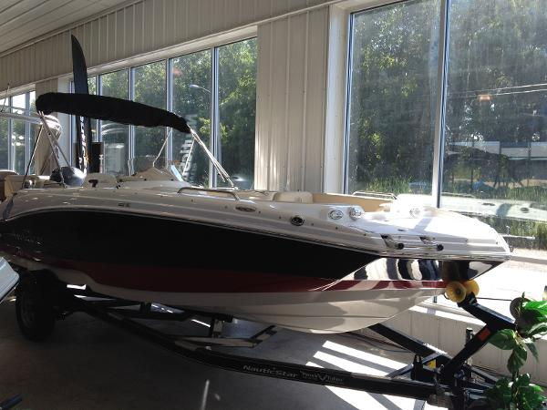 Nautic Star 203SC Sport Deck