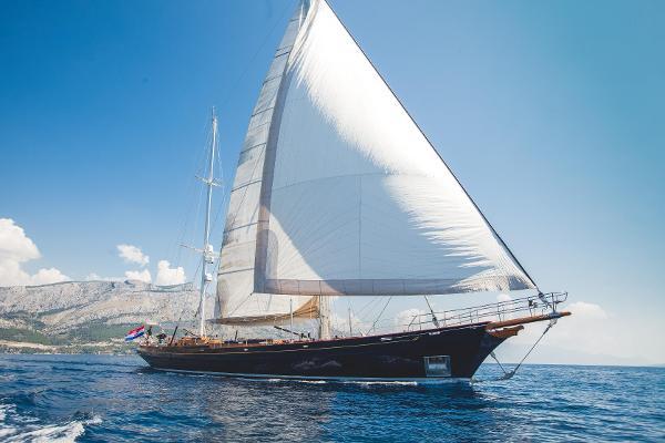 Custom Heli Yachts ''Lauran''
