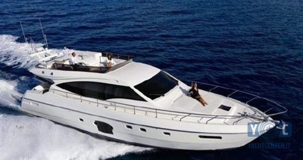 Ferretti Yachts 592 1