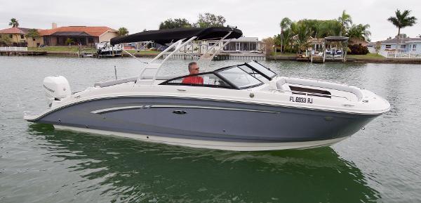 Sea Ray 270 SDX - Outboard Profile