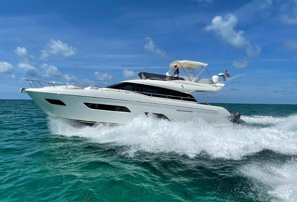 Ferretti Yachts 550 Profile