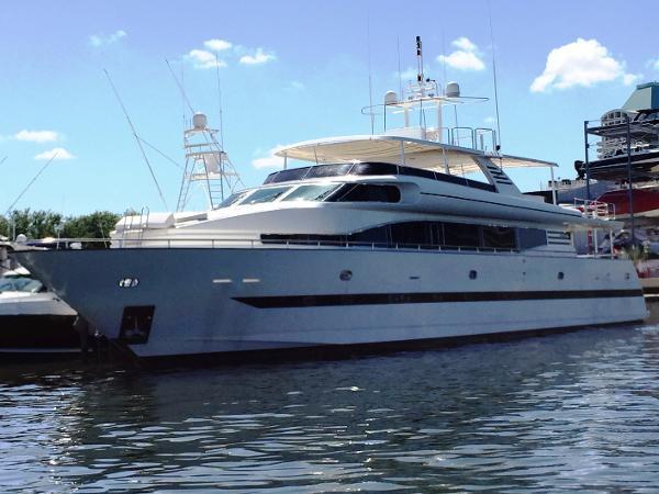 Horizon Custom 4 Stateroom Motor Yacht