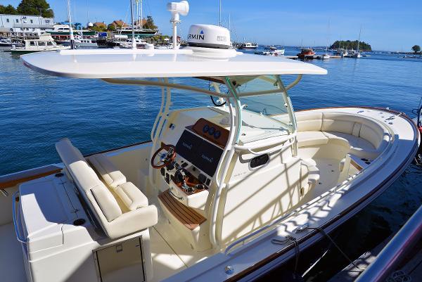 Hunt Yachts 32 CC