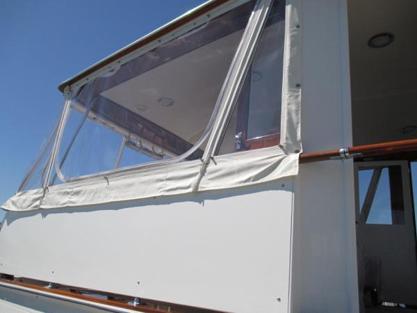 Starboard enclosure