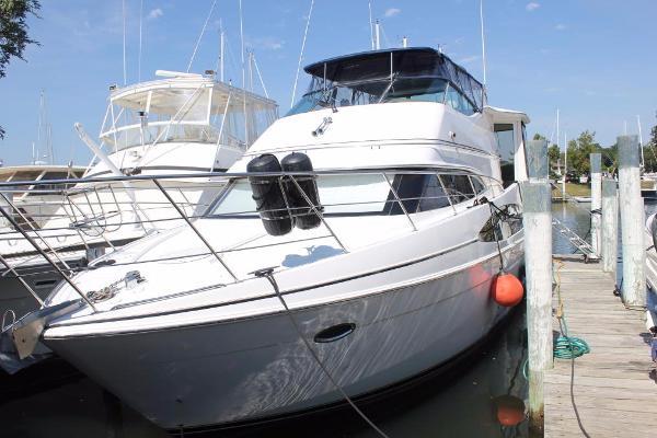 Carver 466 Motor Yacht Main
