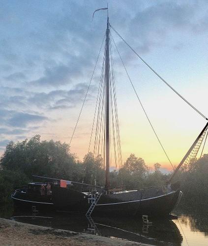 Motorsailer tjalk sailingship