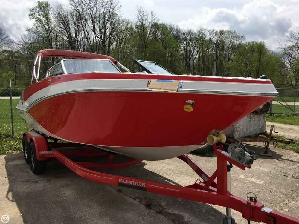 Glastron GT 245 2014 Glastron GT 245 for sale in Martinsville, IN