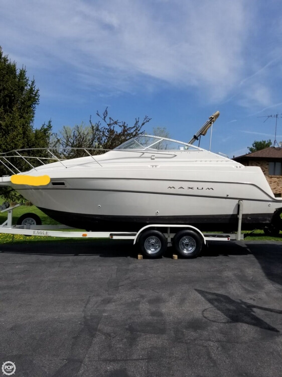 Maxum 2400 SCR 1999 Maxum 2400 SCR for sale in Crown Point, IN