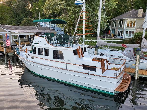 Marine Trader 36