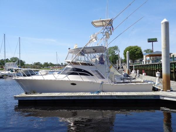 Delta Powerboats Canaveral Custom Delta 36 Express