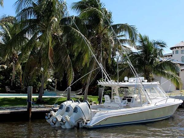 Everglades 350 LX Main Profile