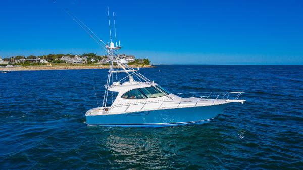 Viking 42 Sport Tower Starboard Profile