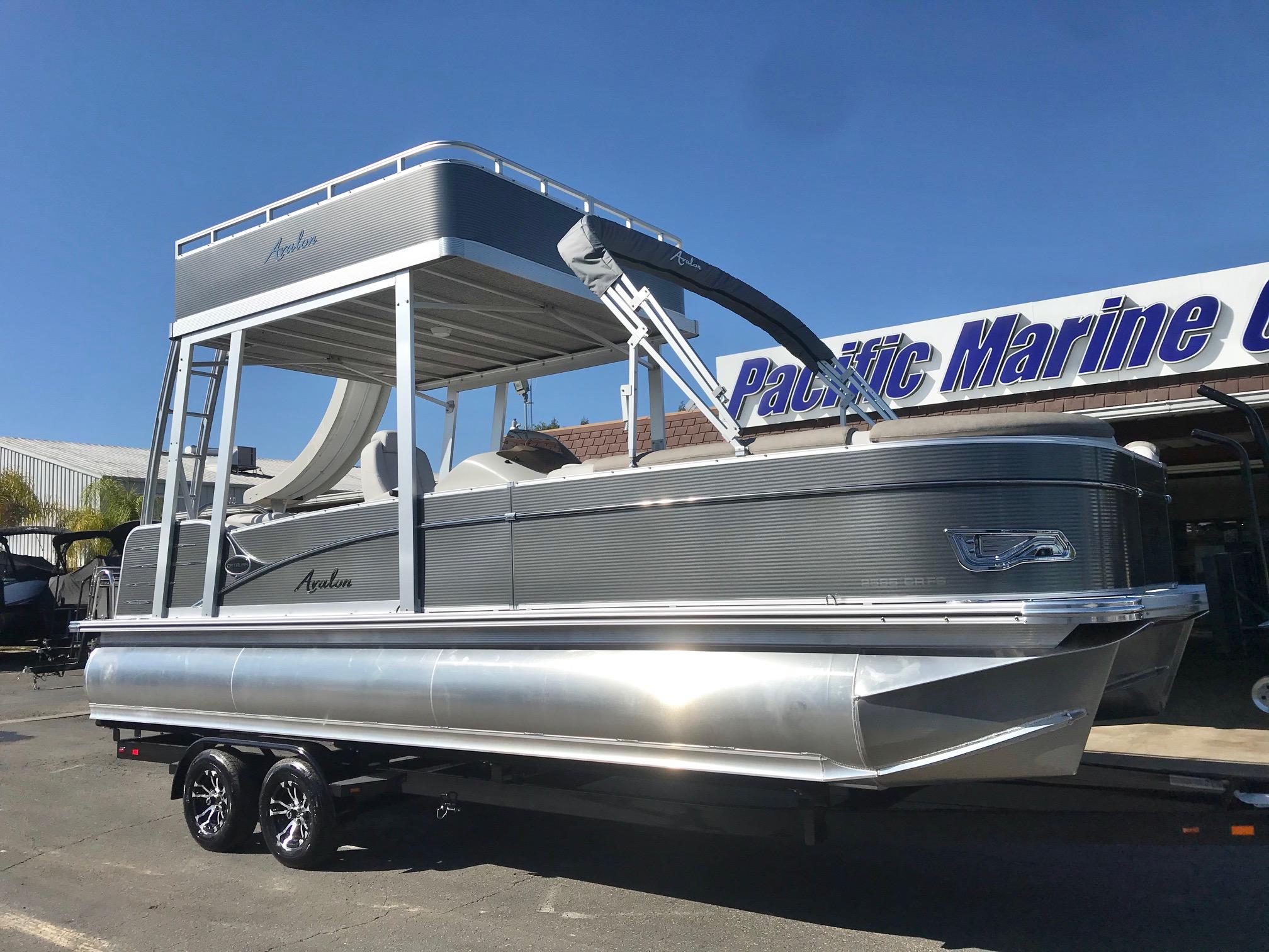 Avalon Catalina Funship 25' w/115 HP MERCURY