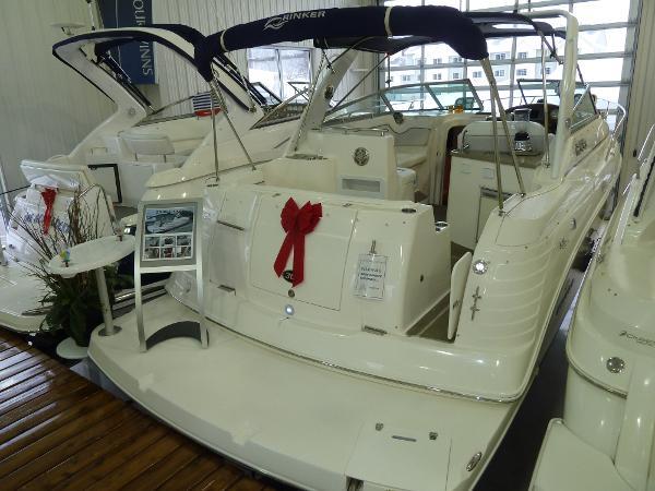 Rinker 300 Express Cruiser