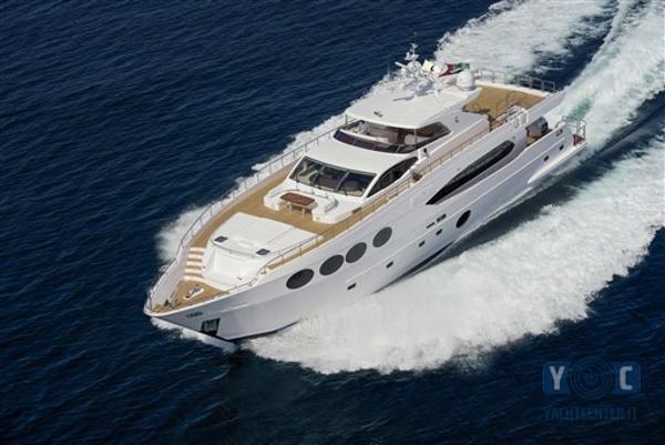Majesty Yachts 105 001-c