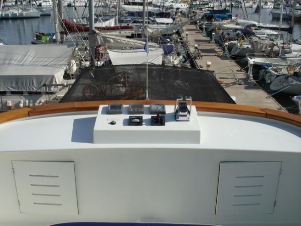 Flybridge steering area