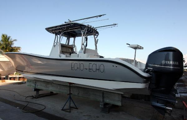 Yellowfin 36 Offshore w/HELM MASTER Port Profile