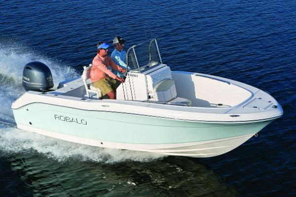 Robalo R180 Center Console Manufacturer Provided Image: Manufacturer Provided Image