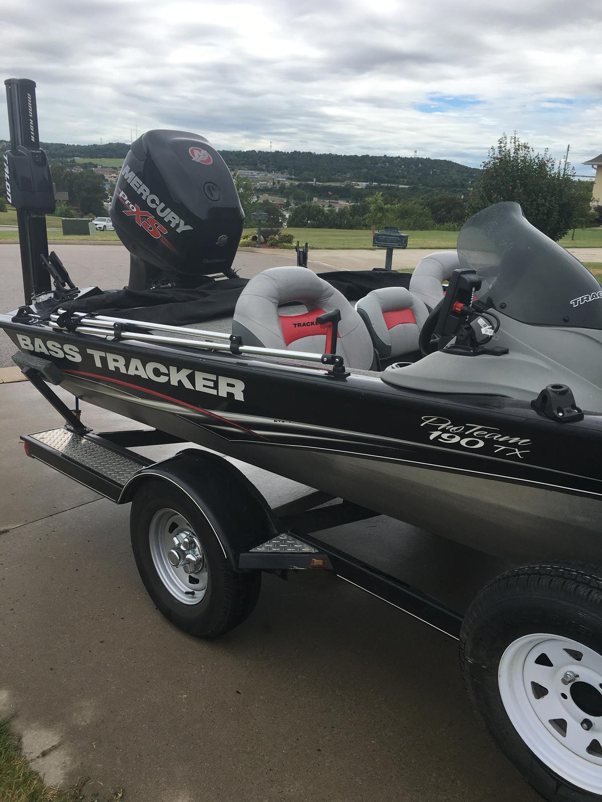 Tracker Pro Team 190 TX