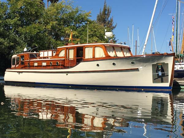 Monk  repowered and restored bridgedeck cruiser Up at Tinsley