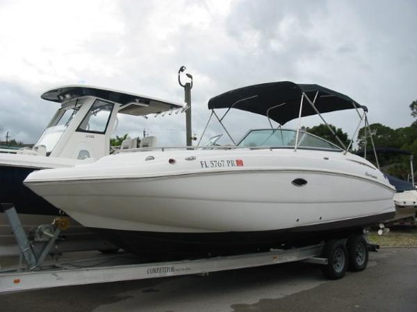 Hurricane SunDeck 2400 OB