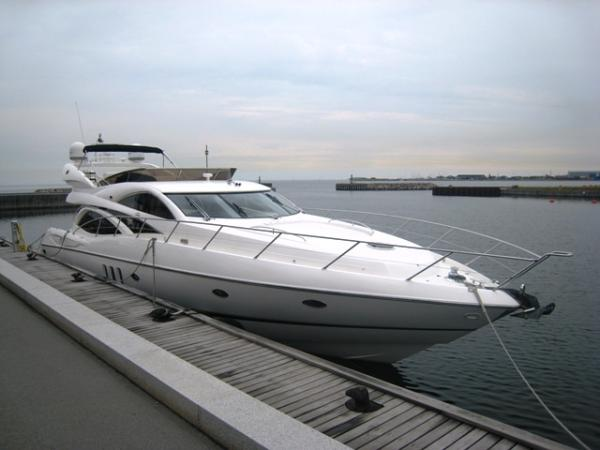 Sunseeker Manhattan 64 Manhattan 64 at berth