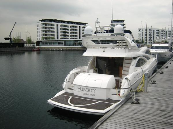 Aft deck & swimming platform