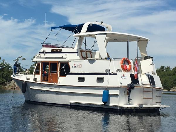 Oceania 35 Sundeck Trawler