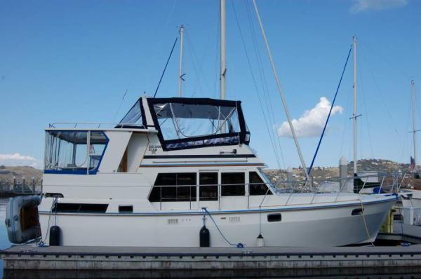 Nova Sundeck Trawler Profile at the dock