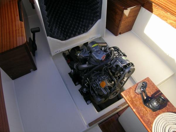 Latitude 46 Tofinou 7.0 Engine