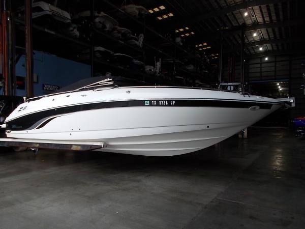 2000 Chaparral 280 ssi bow rider