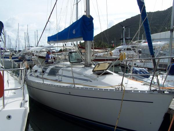 Island Hopper Beneteau First 32s5