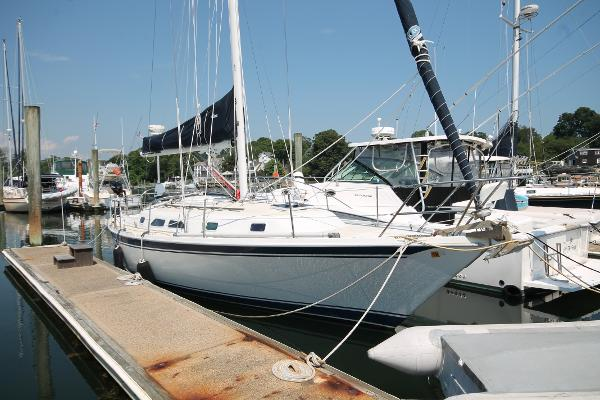 Ericson 34 Starboard Bow