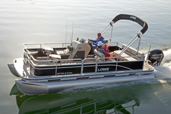 Lowe Ultra 202 Fish & Cruise