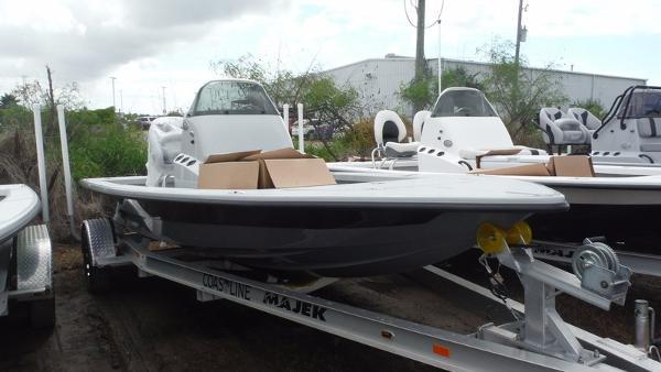 Majek Boats 2200 Xtreme
